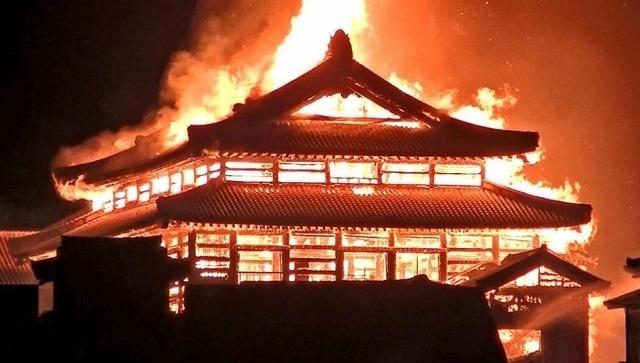 首里城火災.jpg